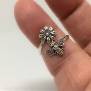 Jewelry - Handcrafted Sterling Silver Daisy Honey Bee Ring